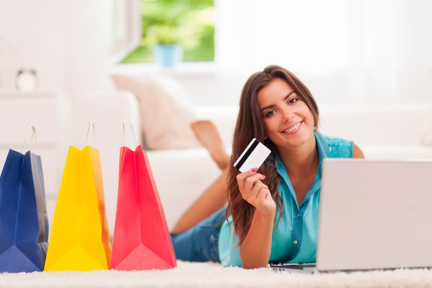 Social Commerce: Tips and Stats