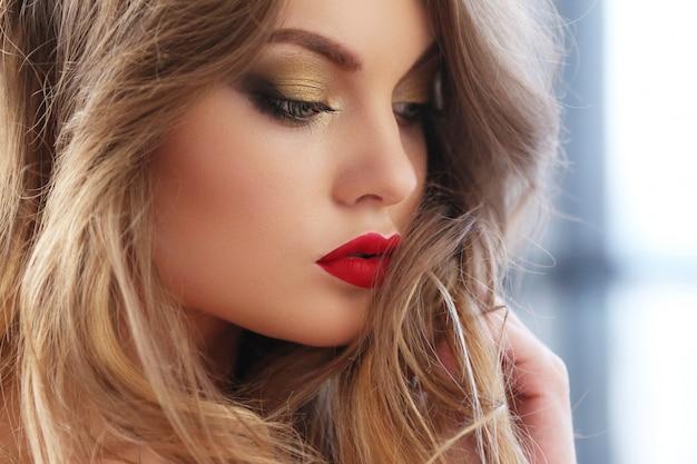 Beautiful woman portrait Free Photo