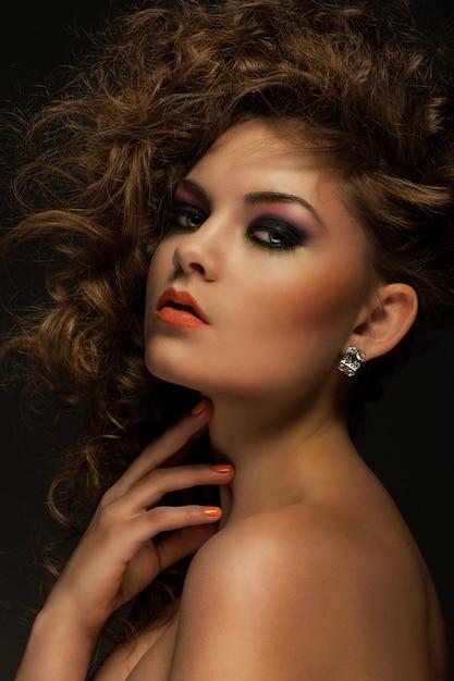 カールと化粧美人 無料写真