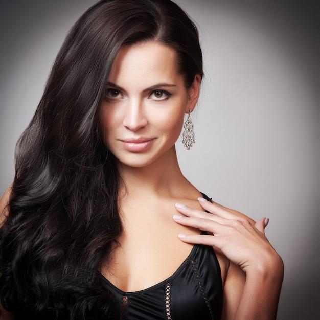 Beautiful woman with evening make-up Premium Photo