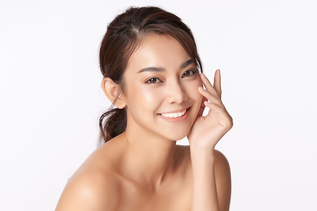 Beautiful young asian woman with clean fresh skin, face care, facial treatment, cosmetology, beauty, asian woman portrait Premium Photo