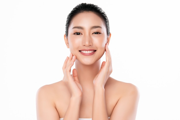 Beautiful young asian woman with clean fresh skin, face care, facial treatment, cosmetology, beauty and spa, Premium Photo