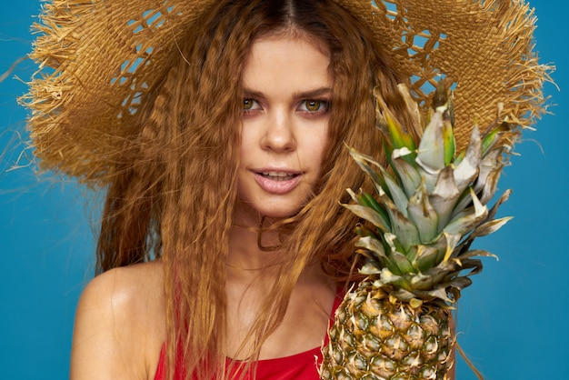 水着の美しい若い女性 Premium写真