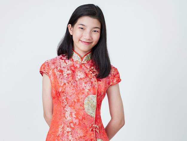 Beautiful young woman in traditional chinese dress Premium Photo
