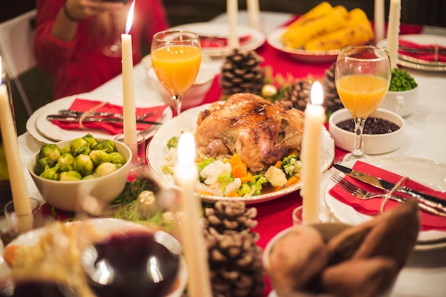 Beautifully served table for christmas dinner Free Photo