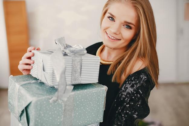 Beauty christmas girl Free Photo