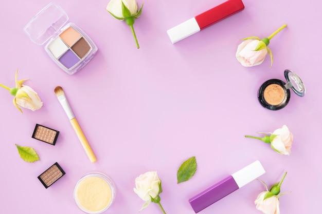 Confezione di cosmetici di bellezza a forma di cerchio Foto Gratuite