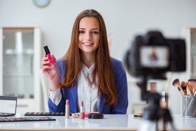 Beauty fashion blogger recording video Premium Photo