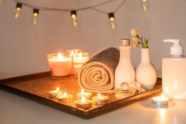 Beauty spa treatment with candles Premium Photo