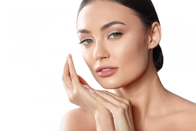Beauty woman face portrait. beautiful spa model girl with perfect fresh clean skin. Premium Photo