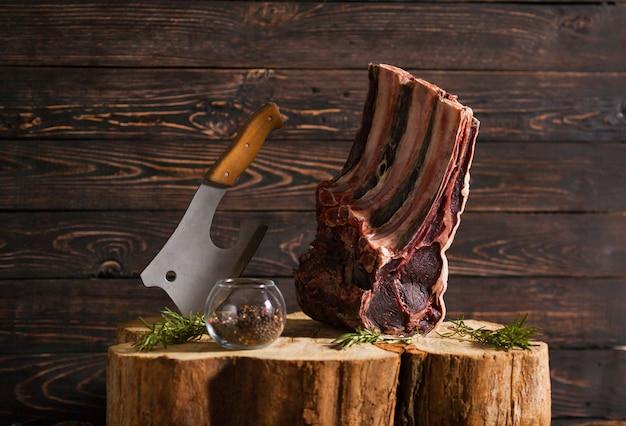 Beef steak in meat restaurant. Premium Photo