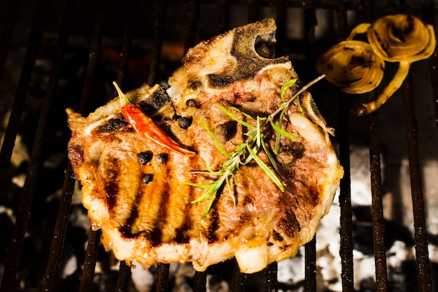 Beefsteak grilling with spices Free Photo