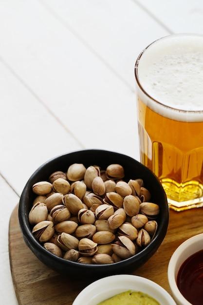 Пиво и закуски Бесплатные Фотографии