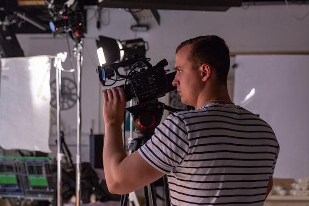 スタジオでのビデオ制作やビデオ撮影の舞台裏 Premium写真