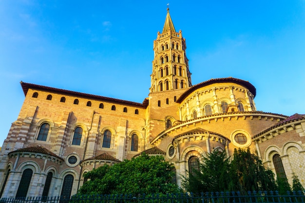 The bell tower of the basilica of saint sernin, toulouse, france Premium Photo