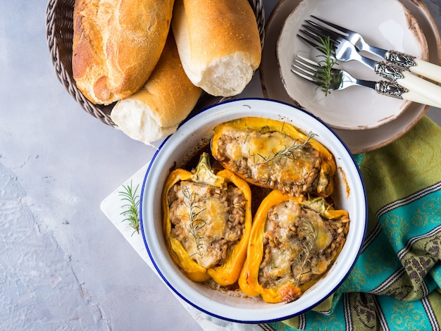 Belle pepper stuffed with barley and meat Premium Photo