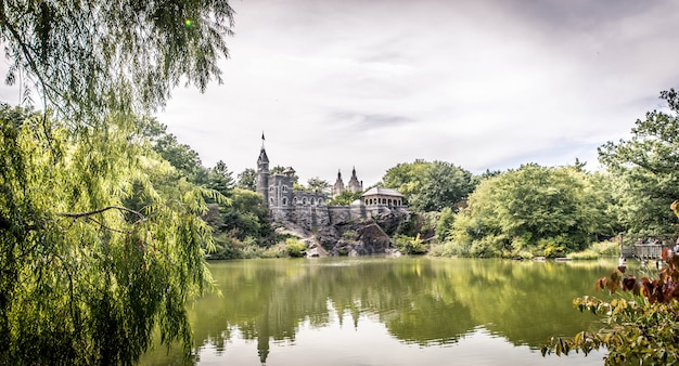 Belvedere castle in new york Premium Photo
