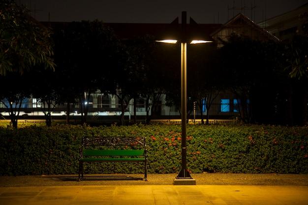 Bench under lamp Premium Photo