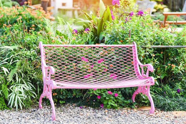 Bench In Park Pink Vintage Bench Chair In The Garden