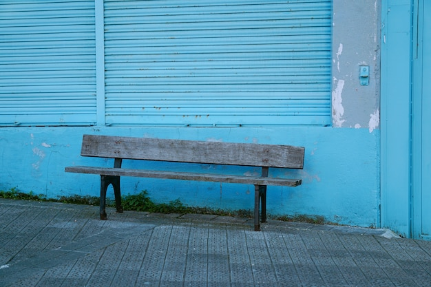 Bench in the street Premium Photo