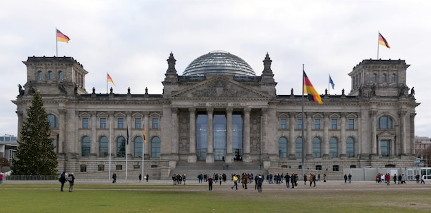 Berlin, germany  reichstag building panorama Premium Photo