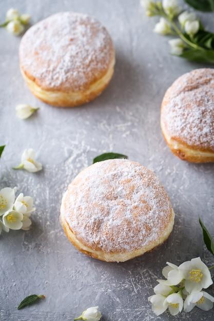 Берлинер пончики Premium Фотографии