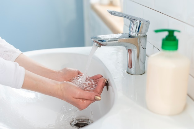 Best antibacterial solution water and soap Free Photo