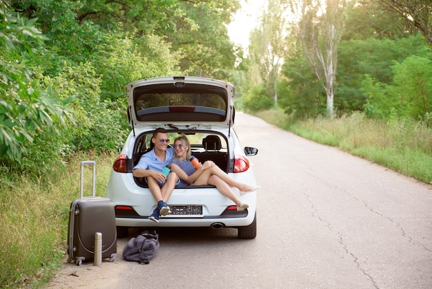 Best friends travel together and making fun Premium Photo