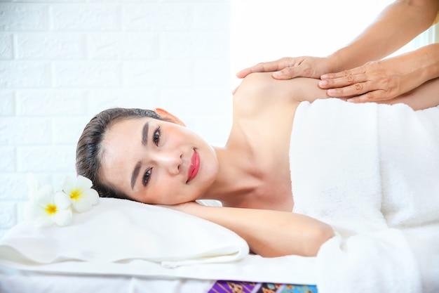 Beutiful woman with spa massage Free Photo