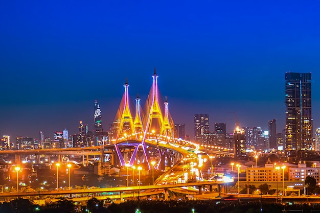 The bhumibol bridge (industrial ring road bridge) (bangkok, thailand) beautiful view at twilight, bangkok expressway Premium Photo