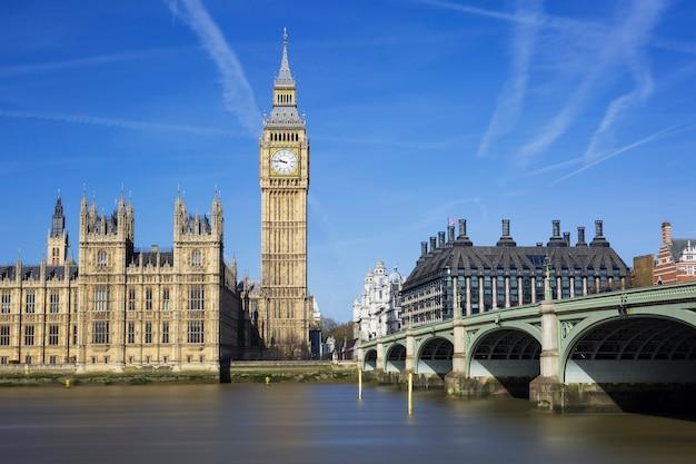 Биг бен и здание парламента, лондон, великобритания Бесплатные Фотографии