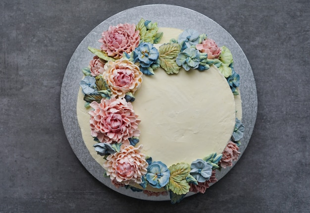 Big wedding cake Premium Photo