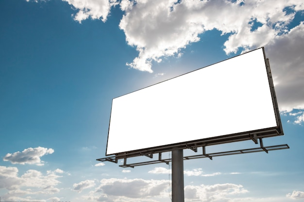 Outdoor Network unveils its new rotating digital billboard