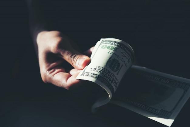 Доллар billie в руке Бесплатные Фотографии