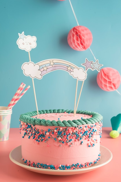 Awesome Birthday Cake For Boys And Girls With Glasses And Paper Straws Personalised Birthday Cards Veneteletsinfo