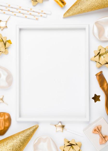 흰색 배경으로 생일 장식 무료 사진