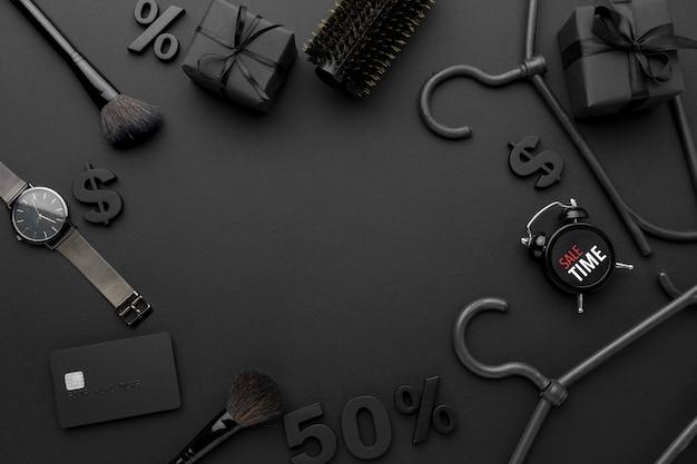 Composizione di elementi di vendita venerdì nero con spazio di copia Foto Gratuite