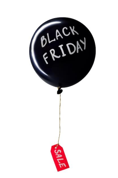 Черный воздушный шар с белыми буквами черной пятницы и прикрепленным красным ценником со скидкой, Premium Фотографии