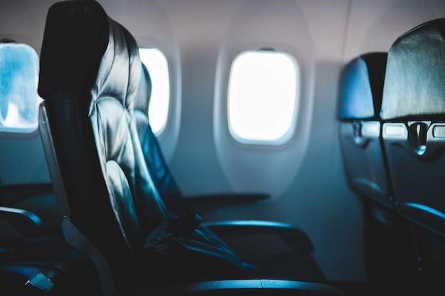 飛行機の黒い助手席 無料写真