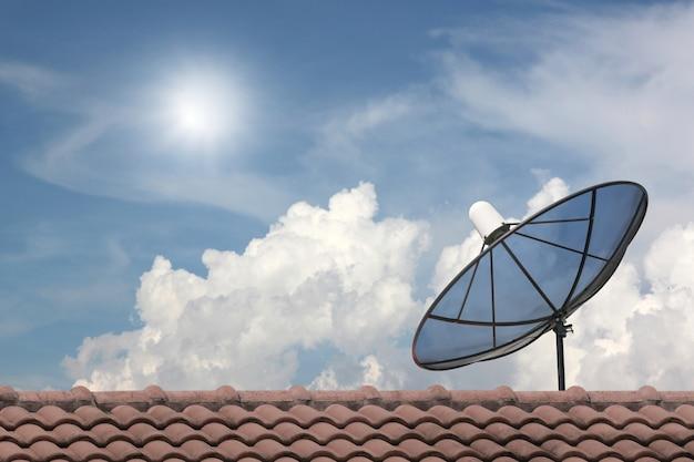 Black satellite dish. Premium Photo