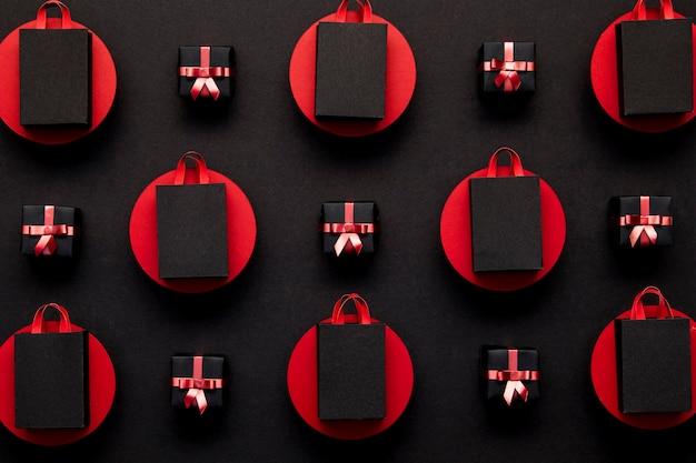 Черные сумки для покупок в красных точках Бесплатные Фотографии