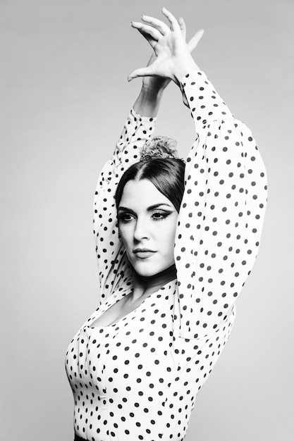 Black and white flamenca performing Free Photo