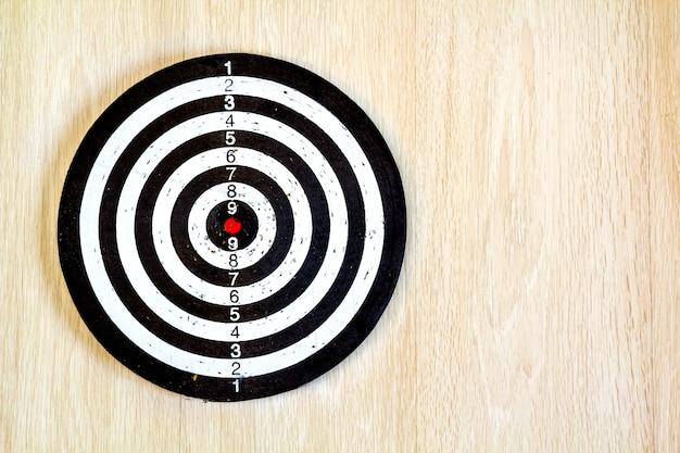 Black and white target dart Premium Photo
