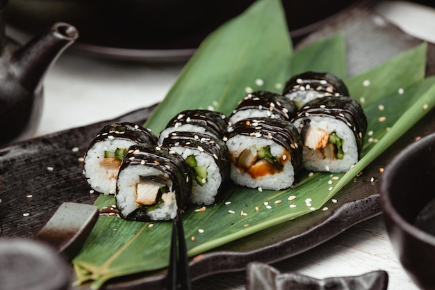 Black wrap rice sushi Free Photo