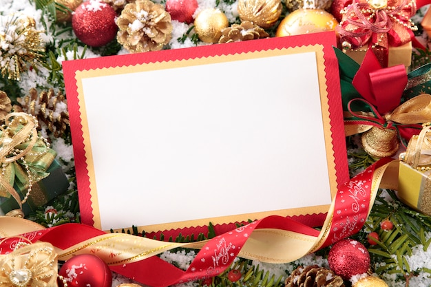 Blank christmas card with red border Photo | Free Download
