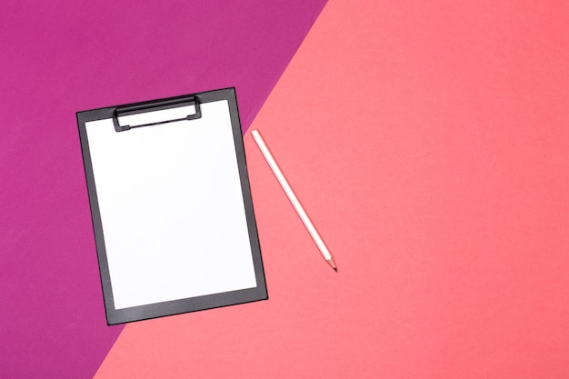 Blank clipboard mock up on color background Premium Photo