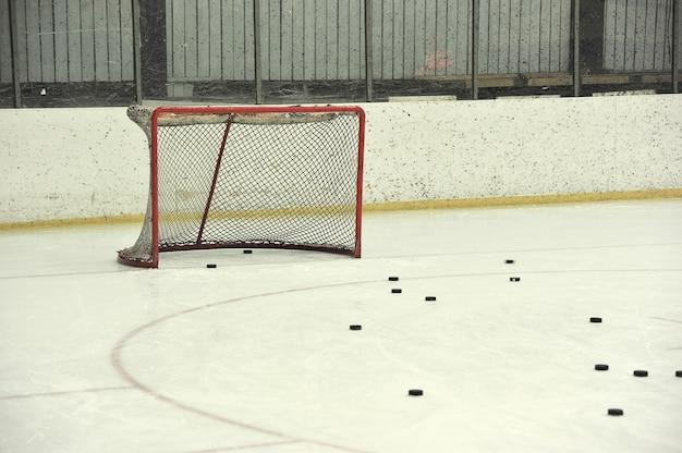 Бланк хоккейной сетки и шайб Premium Фотографии