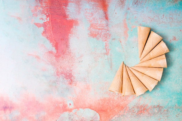 Blank ice cream wafers on colorful background Free Photo