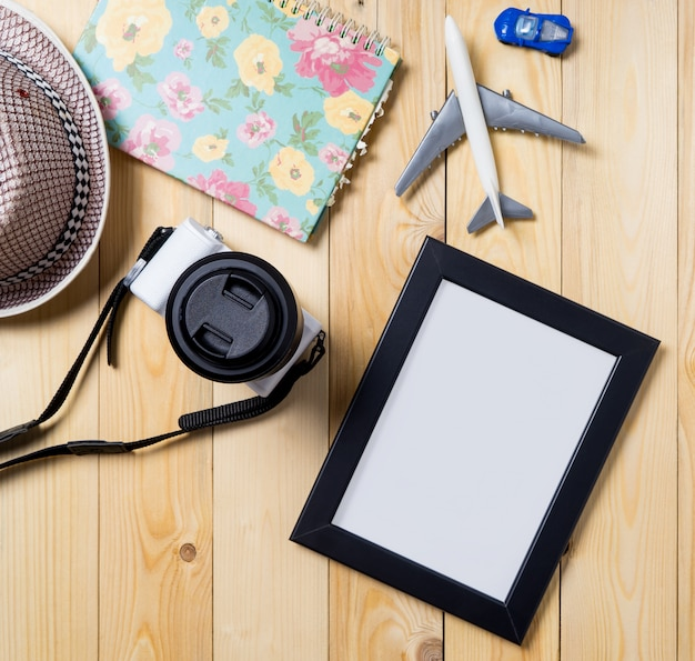 Blank photo frame with clipping path for travel blogs. Premium Photo