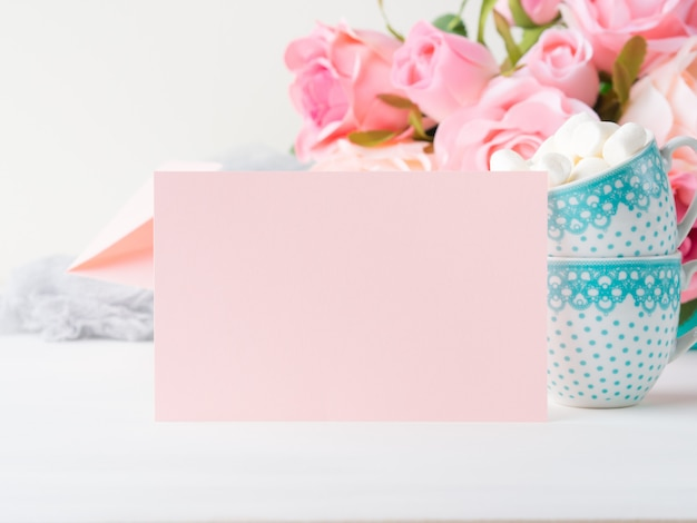 Blank pink paper card for valentine's or mother woman day. background copyspace Premium Photo